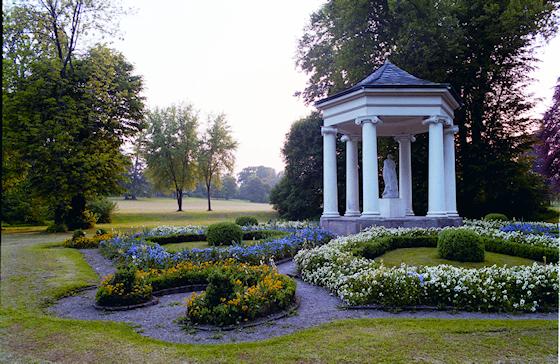 www.Ferienwohnung-WeimarerLand.de / Schlosspark Tiefurt-Weimar